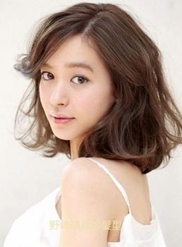 野崎萌香の髪型.jpg